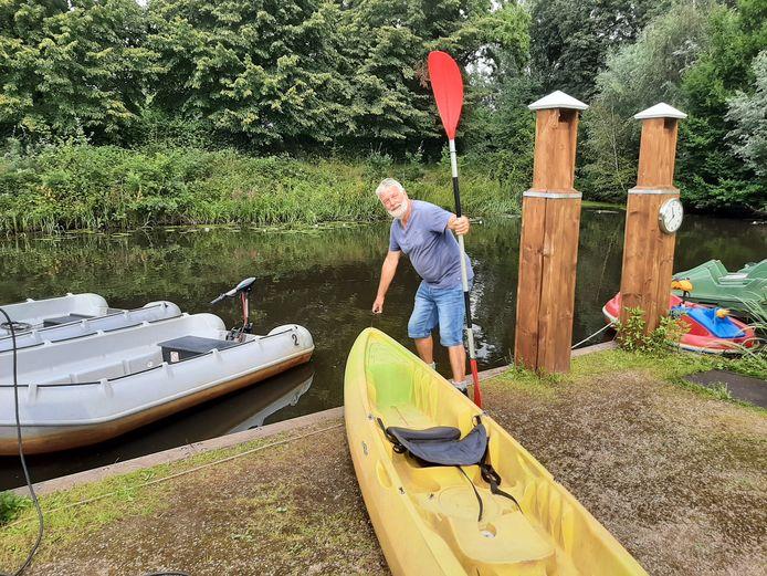 Jan Sterk (66) gaat op 1 september met pensioen, maar de botenverhuur bij Schuilenburg wordt voortgezet door de eigenaren van het landgoed.