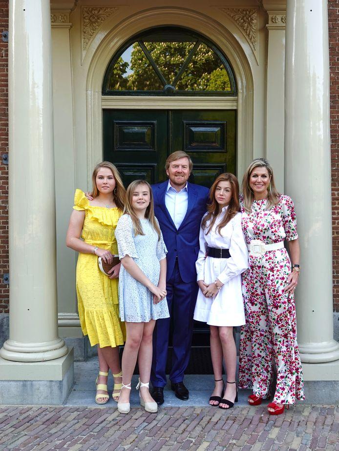 Amalia, Ariane, Willem-Alexander, Alexia en Máxima.