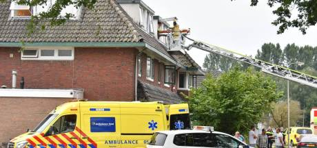 Man gewond bij mogelijk steekincident in Hengelo, politie doet onderzoek naar toedracht