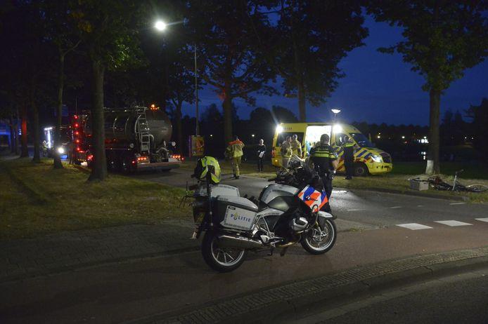 Bij een botsing in Etten-Leur is een fietsster gewond geraakt.