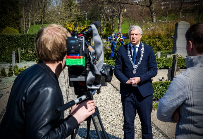 De gemeente Capelle aan den IJssel neemt een video op voor dodenherdenking 2021, omdat er ook dit jaar geen mensen bij kunnen zijn.