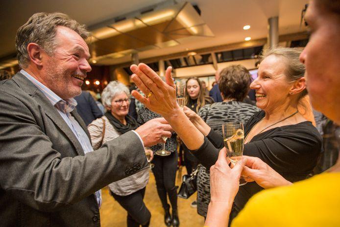 Goirle Bert Schellekens en de nummer twee van LRG, Liselotte Franssen, vieren de winst.