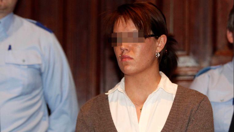 Carolien Van Looy stak in juni 2007 liefdesrivale Priscilla Nuyts neer in café Ministerie in Turnhout. Priscilla overleefde de steekpartij niet. Beeld UNKNOWN