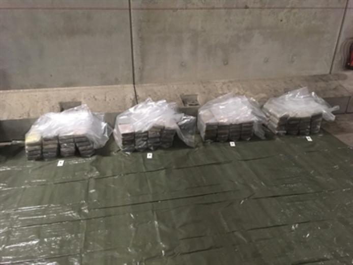 Dinsdag werd 184 kg cocaïne gevonden in een container in de Rotterdamse haven.