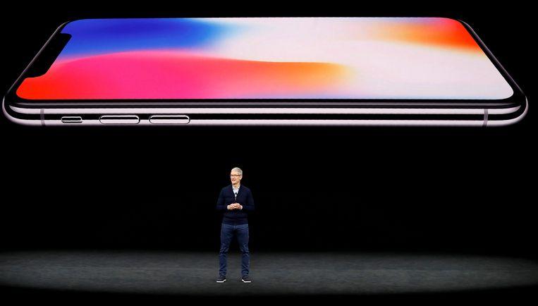 Tim Cook, CEO van Apple, tijdens de lancering van de iPhone X in september vorig jaar.