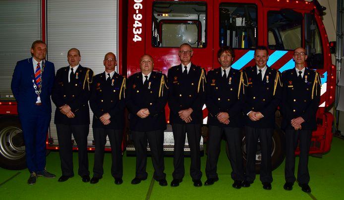 De onderscheiden brandweerlieden.