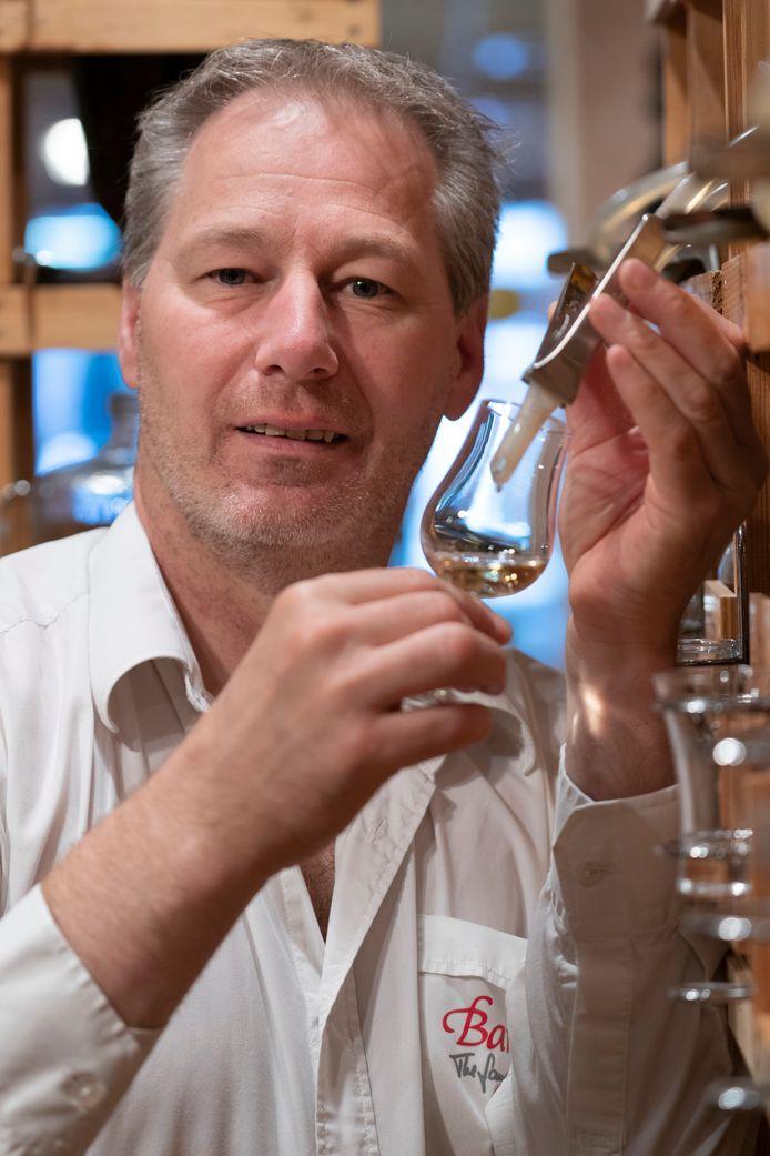 Benny Bouwmans, eigenaar van cadeaushop Barrique in de Vughterstraat in Den Bosch.