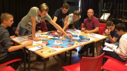 700 jongeren spelen Help-spel