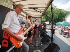 Hoeven Live! gaat met 600 bezoekers door op 'evenementenplein' voor kerk