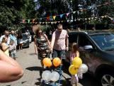 Corona kreeg Alexander (36) uit Hoogland niet klein: ballonnen en tranen bij welkom thuis