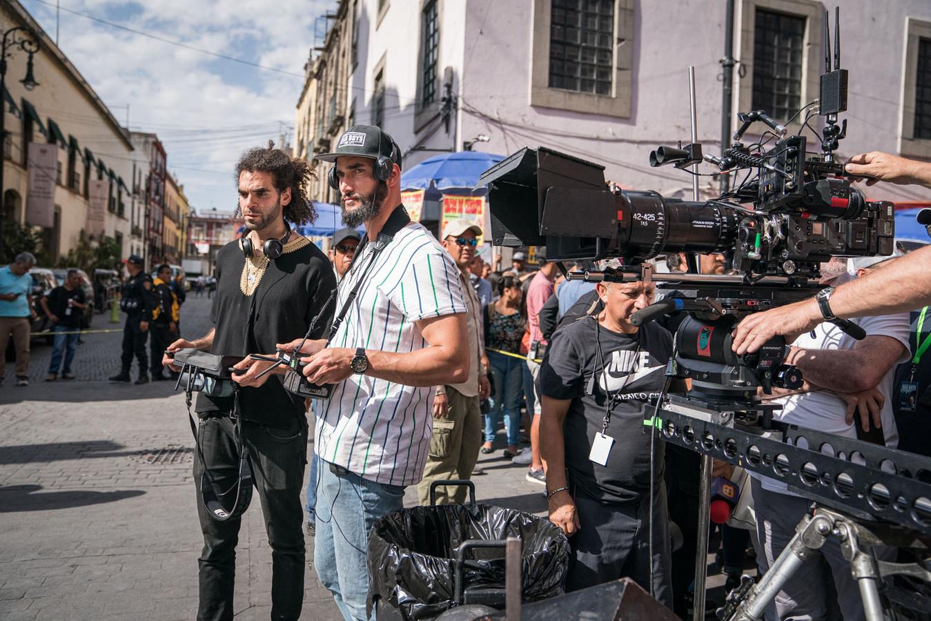 Les réalisateurs belges en plein tournage.