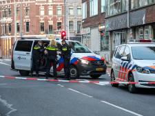 Man raakt gewond bij schietpartij in woning Rotterdam, verdachten vluchten in auto