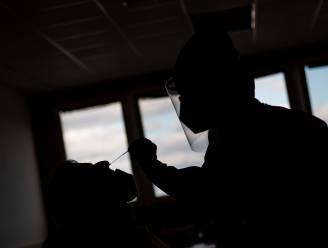 Groot-Brittannië besmet gezonde vrijwilligers met coronavirus voor de wetenschap