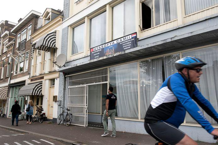 De Ayasofya-moskee aan de Sonsbeeksingel is weer een stapje dichterbij de verhuizing naar de Westervoortsedijk in Arnhem. Archieffoto: Gerard Burgers
