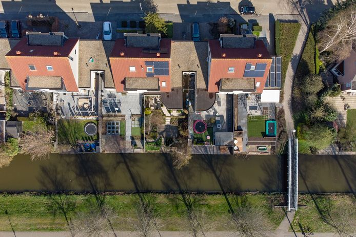 Bijna driekwart van het tuinoppervlak in Kampen is vol gelegd met tegels, blijkt uit gegevens van de gemeente.