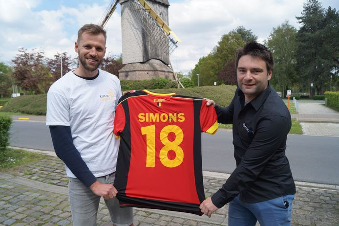 Brian Labaere en Chiron Potié met het truitje van Timmy Simons