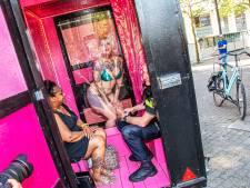 Peepshow-op-wielen van sekswerkers komt in Tilburg tot stilstand: 'Alleen maar liefde'