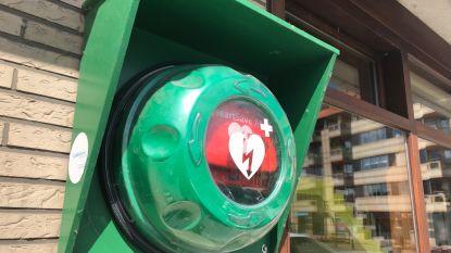 Avekapelle en Steenkerke hartveiliger door plaatsing AED-toestel