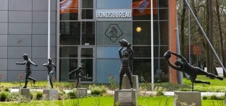 Alleen zomervoetbal biedt nog reddingsboei voor betaald voetbal