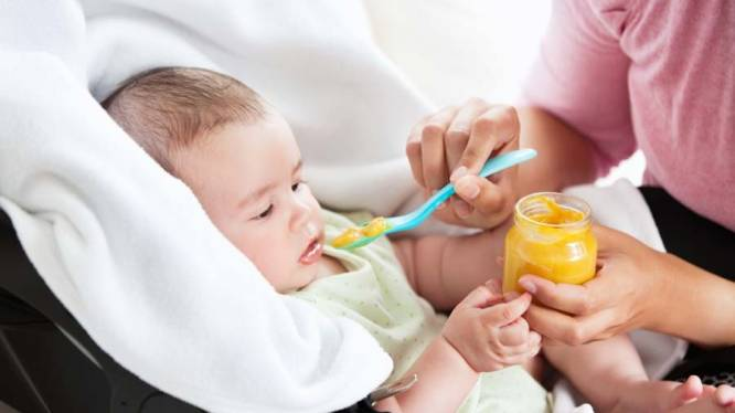 Waarom je beter zelf babyvoeding maakt