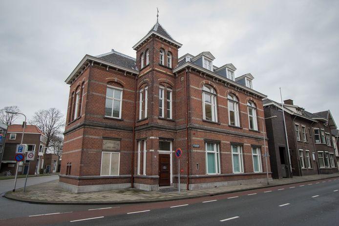 De kantonrechter in Enschede wist uiteindelijk een schikking af te dwingen tussen het Oldenzaalse bedrijf Atec Solutions en haar manager logistiek.