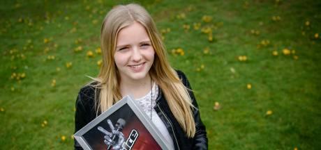 The Voice Kids-winnaar Esmée uit Almelo weet het zeker: 'Emma gaat winnen!'