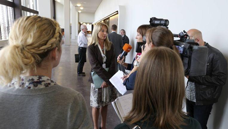 Persmagistraat Annick Strekels staat de pers te woord. Beeld BELGA