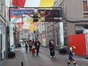 Traditiegetrouw was de Snellestraat tijdens carnaval sfeervol versierd.