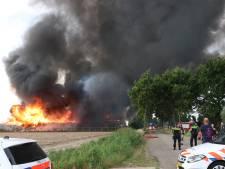 Uitslaande brand in Marknesse onder controle: loods vernield, woonhuis gered
