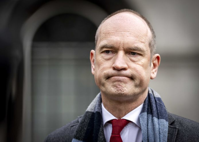 Gert-Jan Segers (ChristenUnie) staat de pers te woord na afloop van een gesprek met informateur Herman Tjeenk Willink (PvdA).