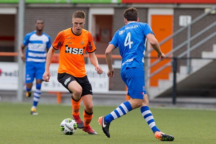 Teije ten Den - namens Volendam tegenover Dirk Marcellis van PEC Zwolle - kan zich in de kijker spelen bij Kozakken Boys.