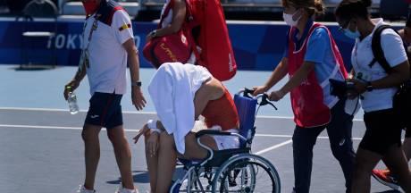 Accablée par la chaleur, Paula Badosa abandonne et quitte le court en chaise roulante