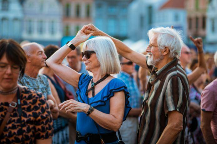 Sfeerbeeld. Op 9 juli organiseert het district 'Merksem Feest en Zingt' voor jong en oud in het Bouckenborghpark.
