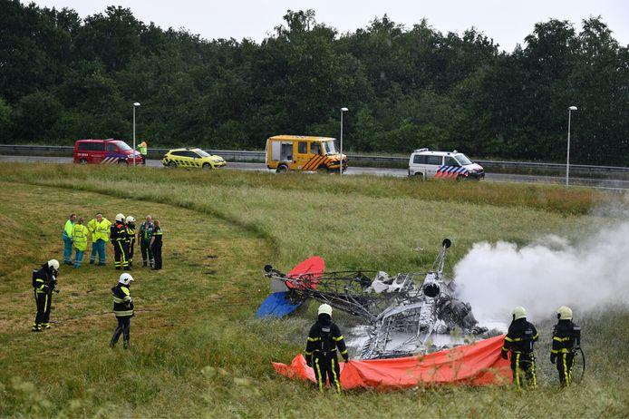 Een sportvliegtuigje is neergestort bij Breda.