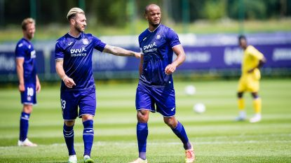 Anderlecht wint twee oefenpotten tegen STVV, Kompany treft raak met het hoofd