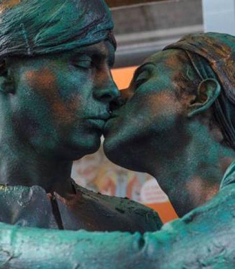 WK Statues van Arnhem naar Alkmaar; Statues by Night blijft in Ede, dat ook NK krijgt