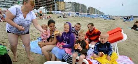 """Le retour des touristes """"frigobox"""" agace les bars de plage"""
