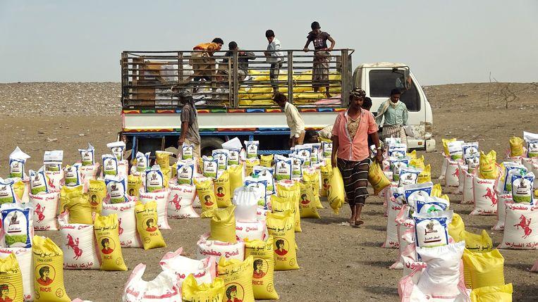 Britse voedselhulp in de Jemenitische provincie Hodeida.   Beeld AFP