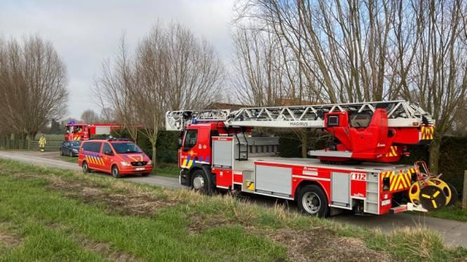 Brand op lamaboerderij nadat houtkachel vuur vatte