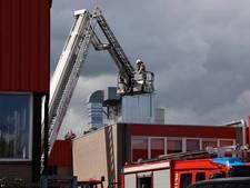 Hoogwerker ingezet bij brand in afzuiginstallatie Hengelo