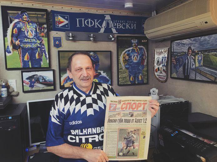 Yves Janssens in het truitje waarmee Levski Sofia 25 jaar geleden Europees speelde tegen Eendracht Aalst.