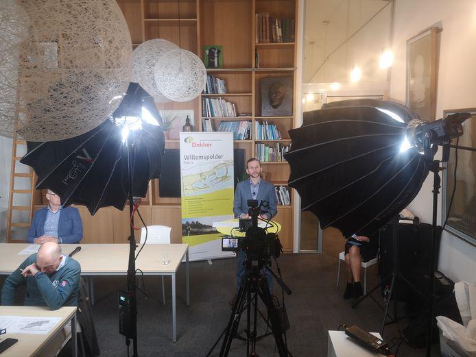 Projectleider Toon van Mierlo aan het woord tijdens de digitale info-avond over de uiterwaarden bij IJzendoorn