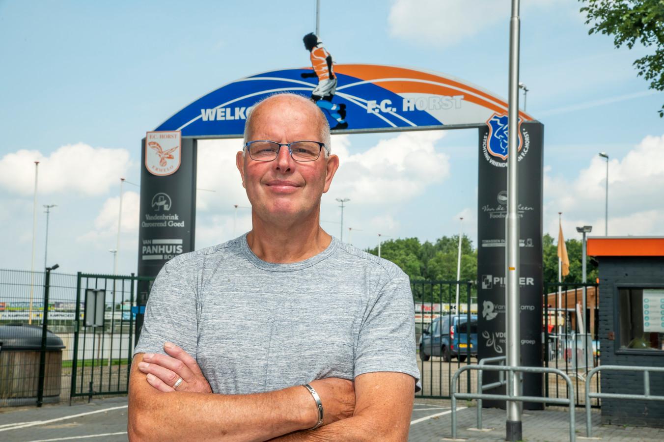 """Jan van Gens is lid van het eerste uur van FC Horst. ,,Er zijn ook veel mensen weggevallen, dat krijg je als je zo lang bij een club loopt."""""""