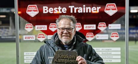 Henk de Jong hoopt dat naast Cambuur De Graafschap promoveert en gunt het 'rare wortel' Mike Snoei