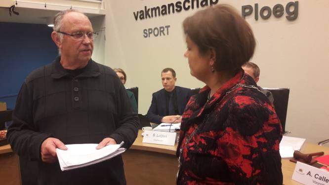 Handtekeningenactie tegen vestiging grote groepen migranten op Zwarte Bergen Luyksgestel