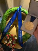 De gouden medaille van Thomas Krol na het EK sprint.