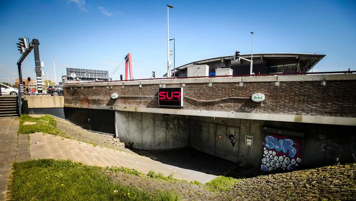 Het pand van de voormalige Waterfront.