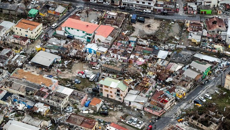 Een luchtfoto van Sint Maarten laat zien hoeveel schade Irma heeft aangericht Beeld ap
