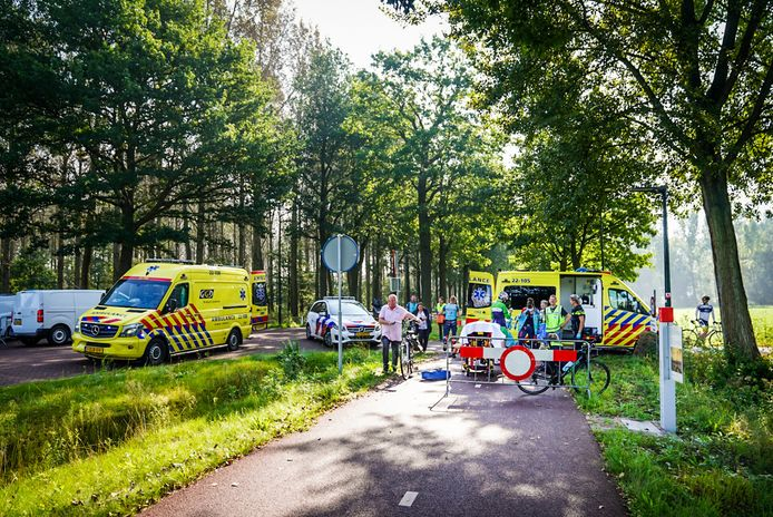 Zeker twee slachtoffers zijn overgebracht naar het ziekenhuis.