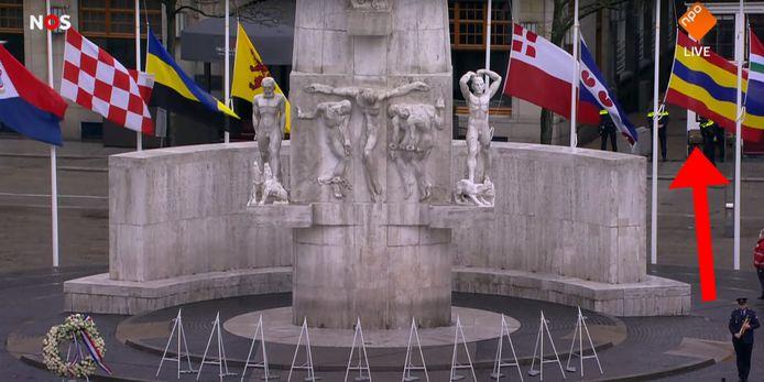 De vlag van de provincie Overijssel tijdens de Nationale Herdenking op de Dam.